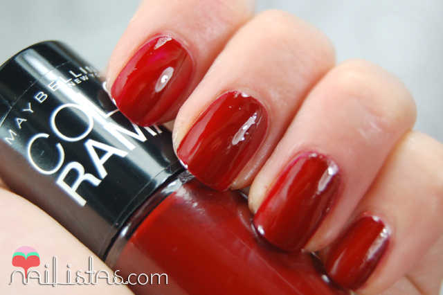 swatch 352 Downtown Red // Maybelline // Colorama