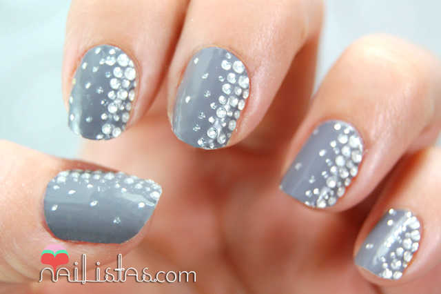 Uñas decoradas con Essie Sleel Stick // Stickers & Stones
