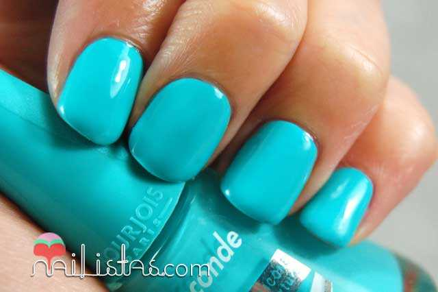 Bourjois colección South Beach Blue no blues Swatch