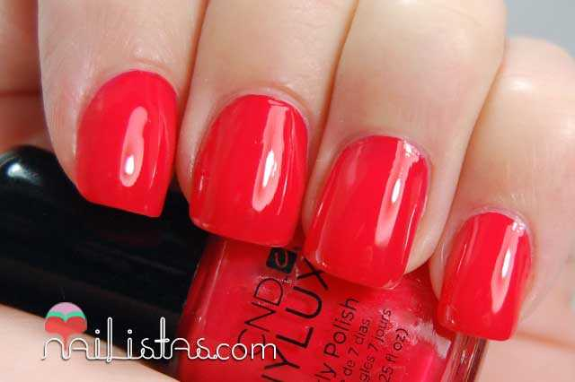Swatch de Lobster Roll de Vinylux, CND (colección Summer Splash)