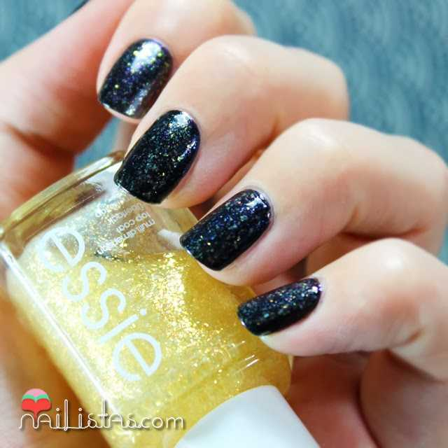 Swatch de As Gold as it Gets, Essie