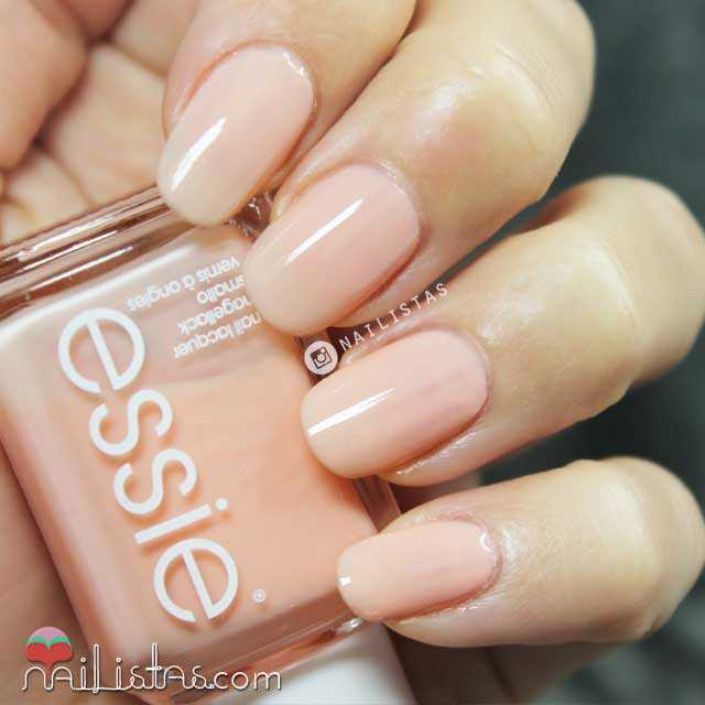 Essie Back to the Limo Swatch Invierno 2014