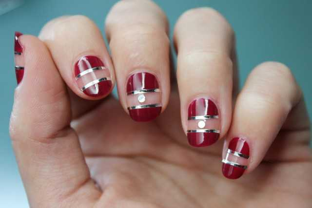 uñas negative space nail art