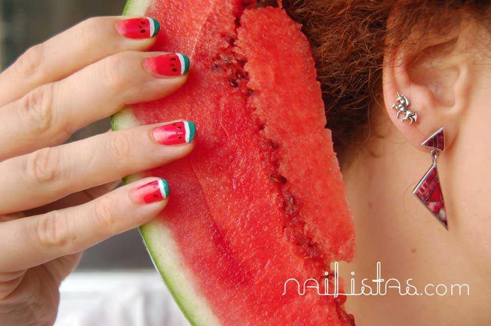 Tutorial >> Uñas de sandía // Watermelon nails http://www.nailistas.com
