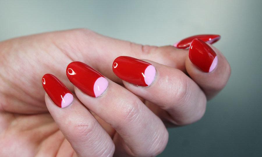 uñas de media luna manicura francesa invertida