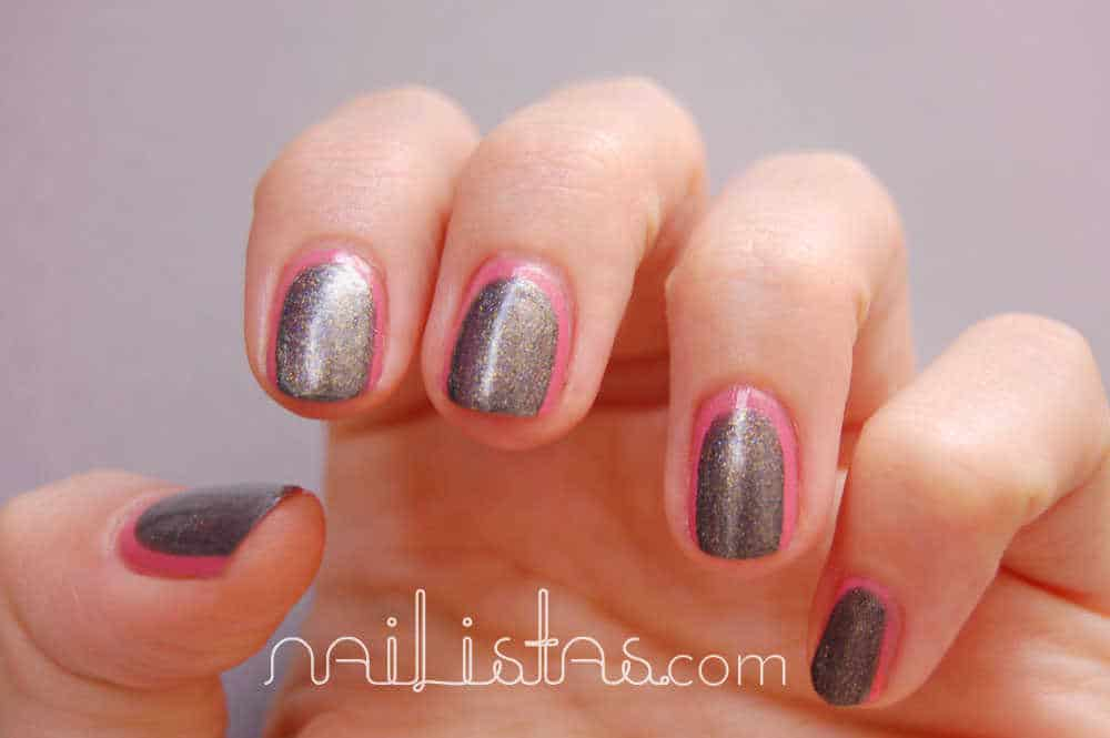 Uñas decoradas frame nails con esmaltes H&M rosa chicle y gris metalizado