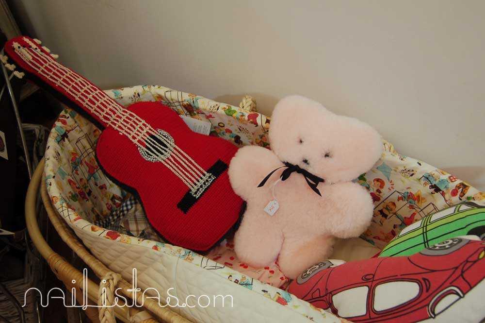 Detalle de tienda ¡Glück!, niños con suerte con oso Flat out bear