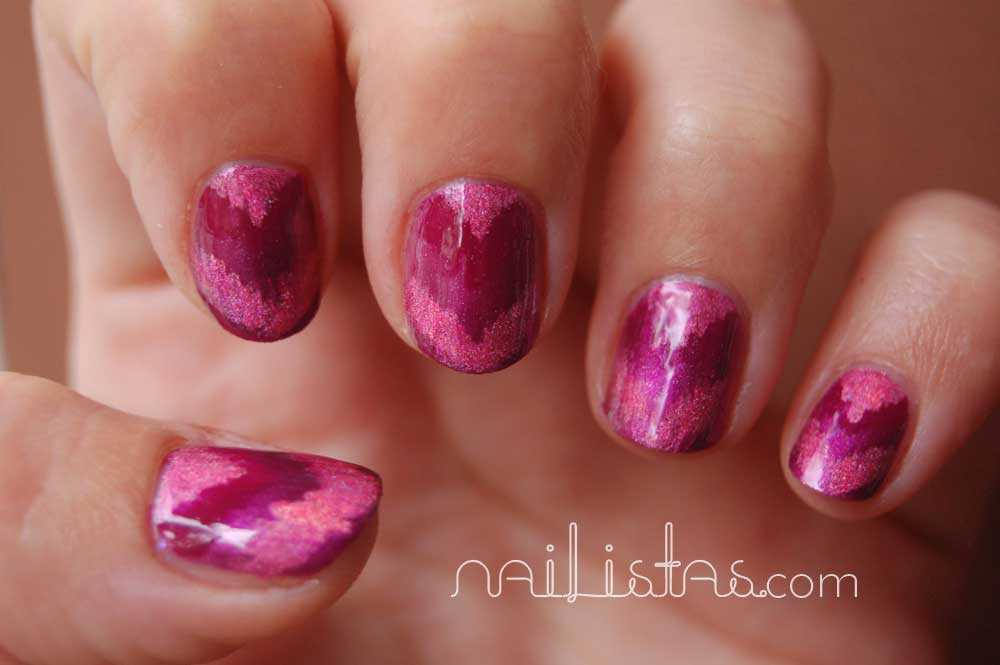 Gradient Chevron nails in wine colours // Manicura Chevron con triangulos en color vino