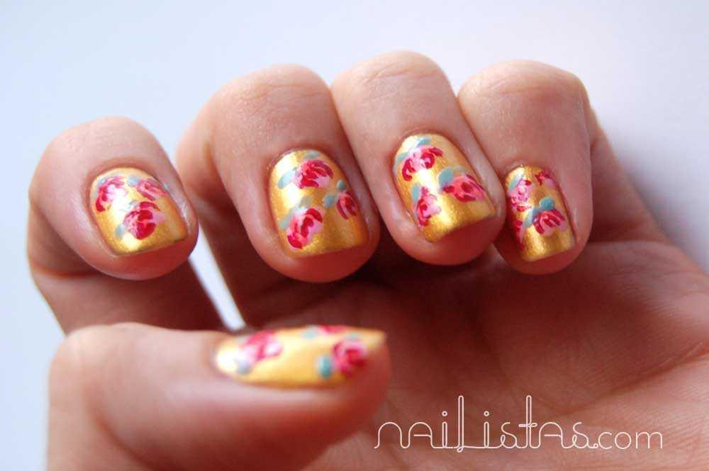 Uñas decoradas con flores // Manicura de flores estilo oriental //