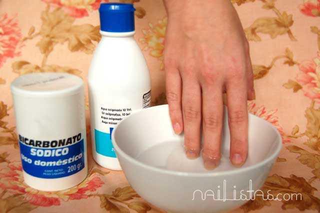 remedio_u-C3-B1as-amarillas-blanquear_unas_bicarbonato_agua_oxigenadanailistas