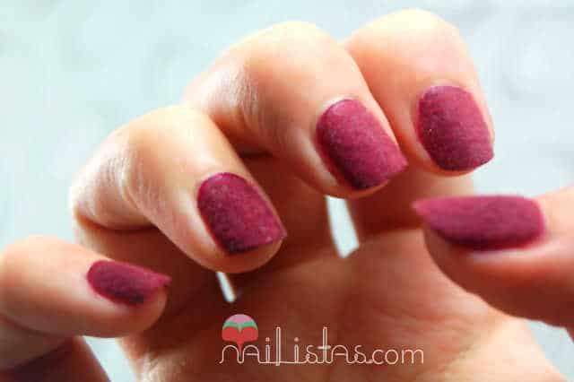 Uñas de terciopelo - Velvet manicure