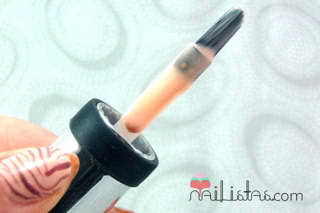 Sally Hansen 211 Royal Blush // Pincel // Brush