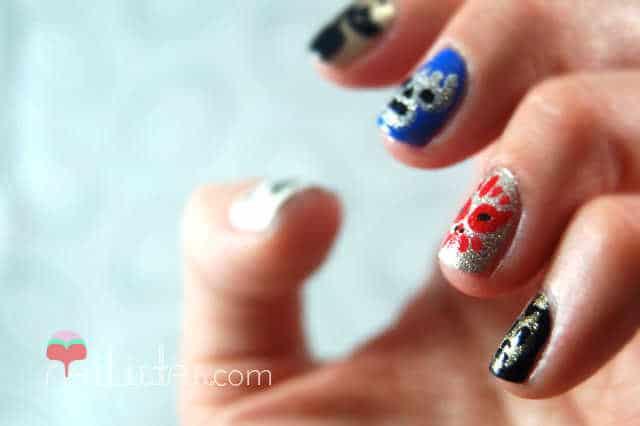 Uñas decoradas con máscaras de lucha libre mexicana // nail art