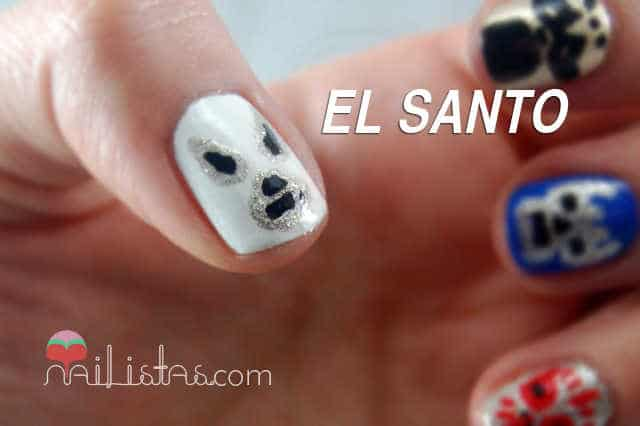 Uñas decoradas con El Santo y Blue Demon