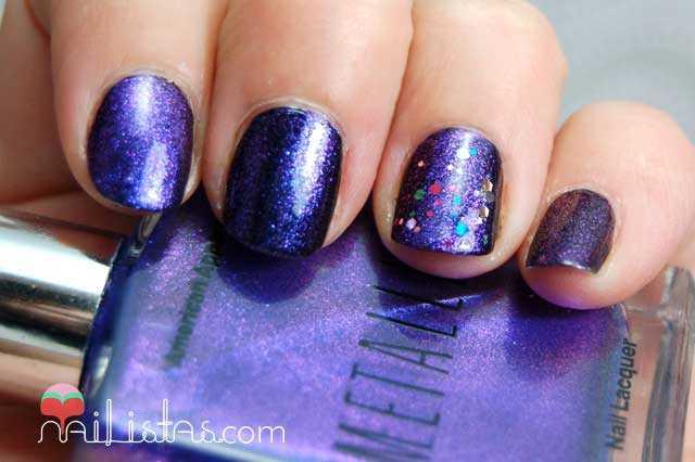 uñas decoradas con confetti // violeta //