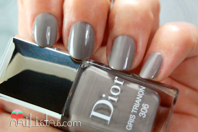 306 Gris Trianon swatch // Chérie Bow // Dior Vernis