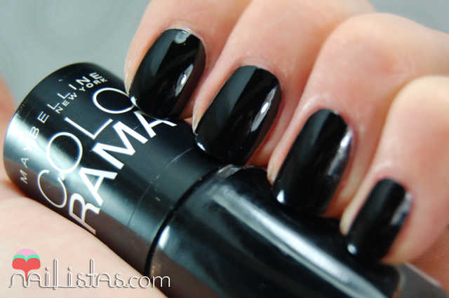 swatch 677 blackout // Maybelline // Colorama