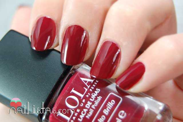 Esmaltes LOLA, 021 Red Night Swatch