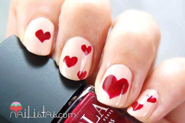 Manicura de San Valentín // Uñas decoradas con corazones