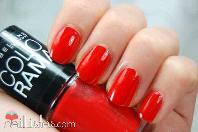swatch 349 Power Red // Maybelline // Colorama