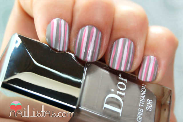 Uñas decoradas con rayas.  // Chérie Bow // Dior Vernis