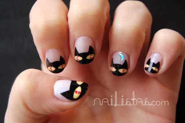 uñas decoradas con gatos negros