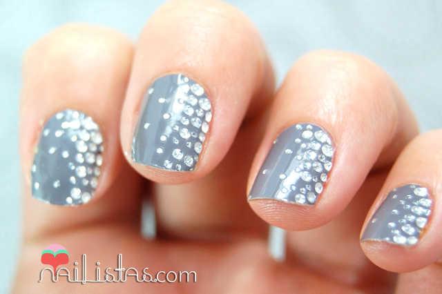 Uñas decoradas con pegatinas para las uñas