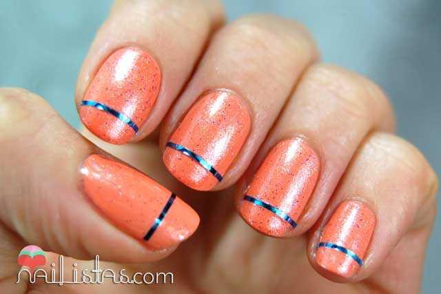 Nail art con cinta para decorar uñas