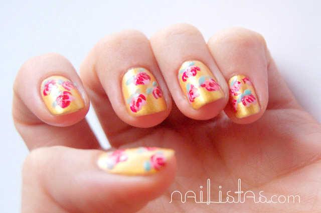 diseño para las uñas con flores estilo oriental // manicura primaveral