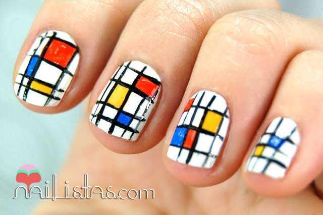 Uñas decoradas inspiración Mondrian