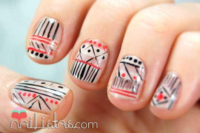 uñas decoradas con motivos tribales