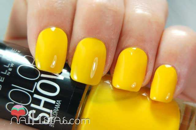 Electric Yellow Swatch // Color Show Maybelline New York