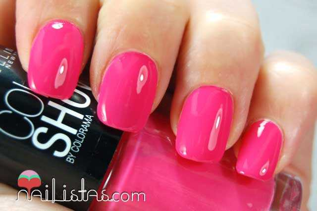 Pink Bikini Swatch // Color Show Maybelline New York