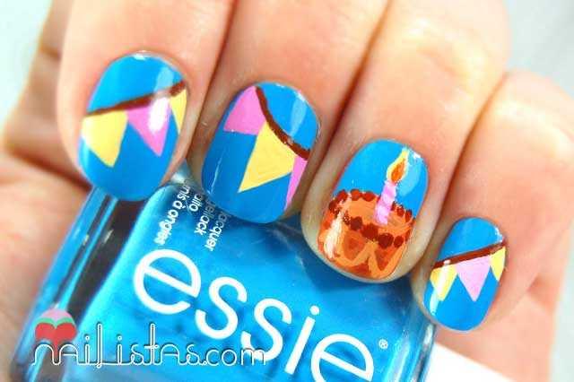 Uñas decoradas con pastel de cumpleaños // Birthday nails