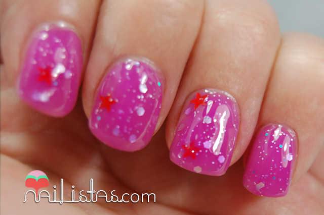 Esmalte jelly sandwich con purpurina de estrellas