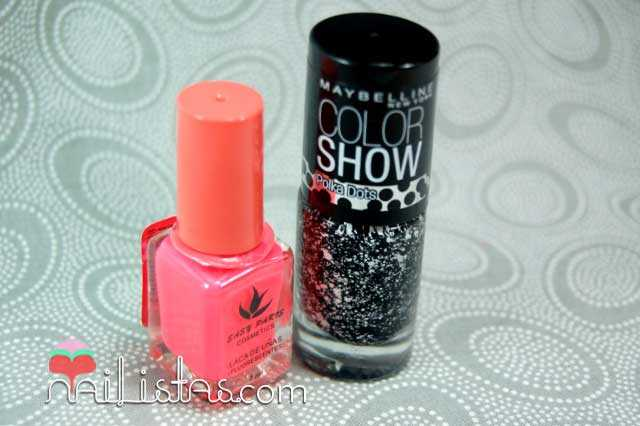 Esmalte fluor brilla en la oscuridad Easy Paris // Chalk Dust de Maybelline Color Show