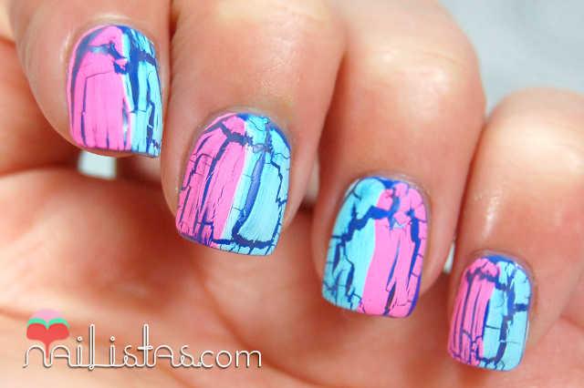 Uñas con craquelado bicolor // Rosa y Azul