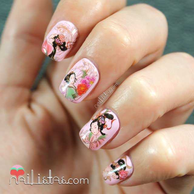 Uñas decoradas con estilo japonés y water decals