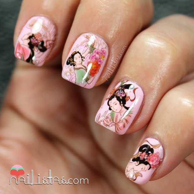 Uñas decoradas estilo japonés con calcomanías
