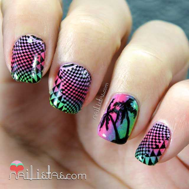 Uñas decoradas con palmeras y water decals