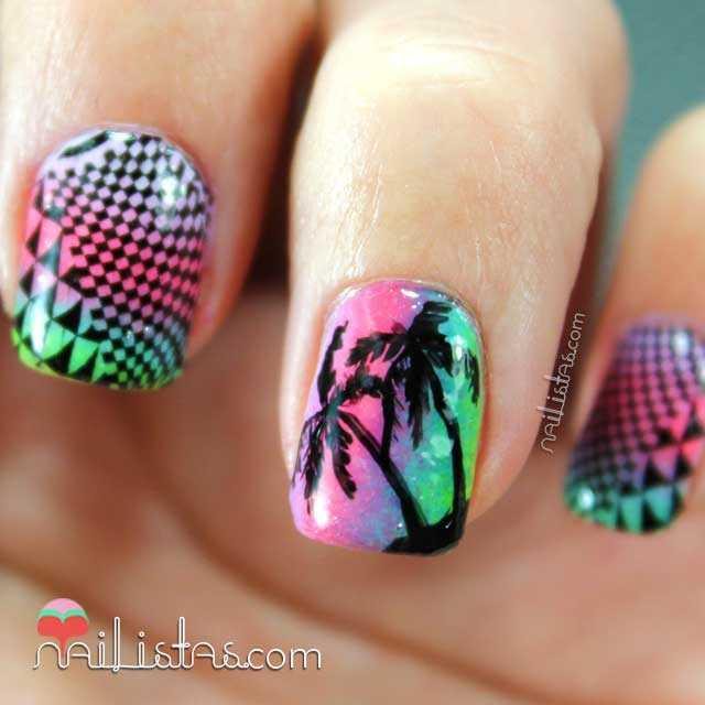Uñas decoradas con degradado y palmeras de verano