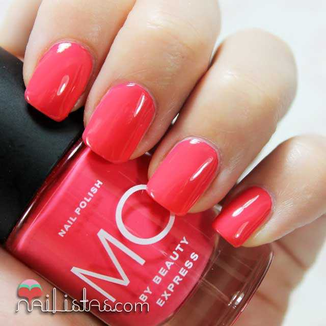 Swatch del esmalte coral nº 10 Mo by Beauty Express