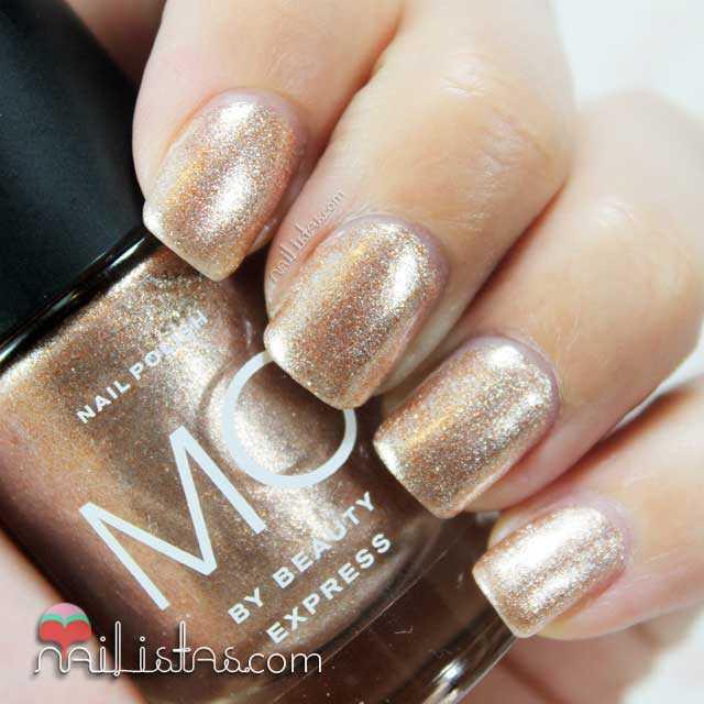 Swatch del esmalte dorado nº 28 Mo by Beauty Express