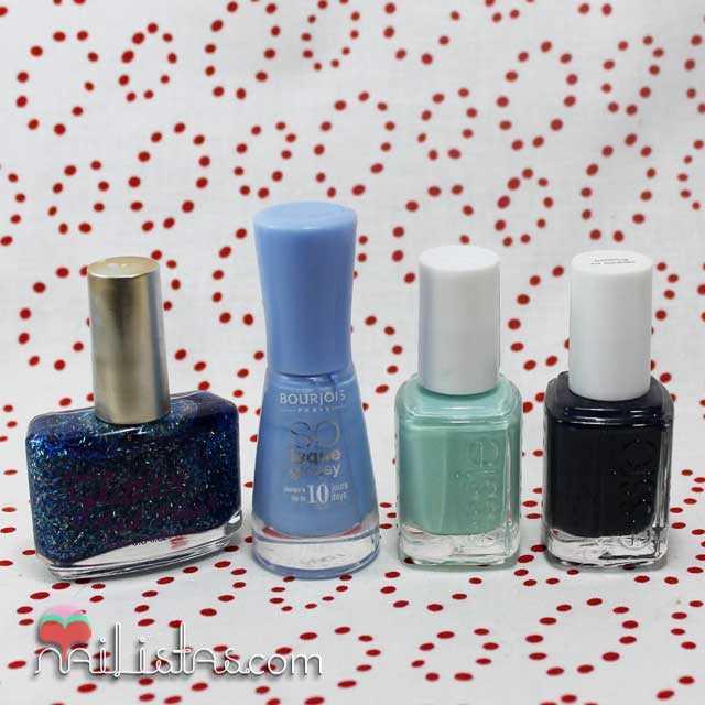 Esmaltes de uñas azules