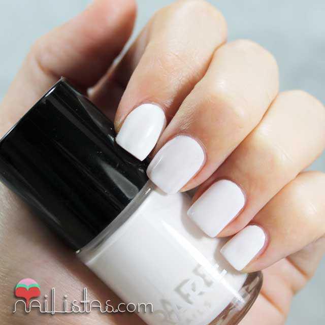 Esmalte blanco muy cubriente pigmentado de Rare Nails