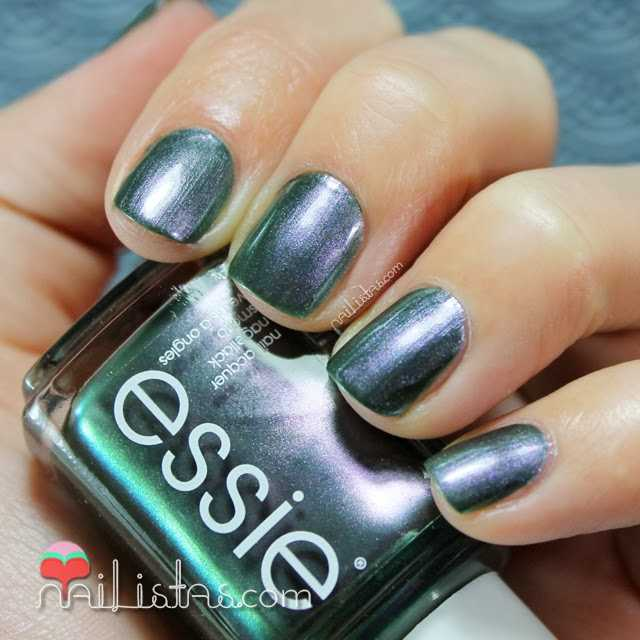 For the Twill of it Essie fall 2013 otoño swatch