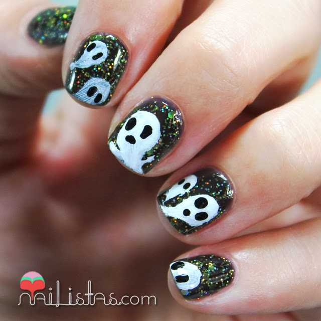 Uñas decoradas con Fantasmas