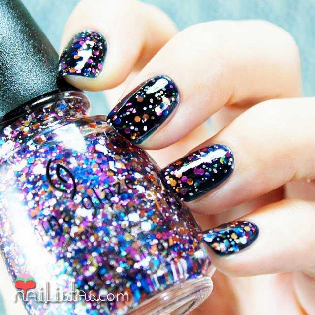 Swatch de Your Present Required de China Glaze