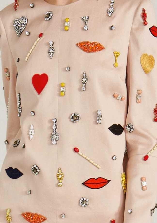 Vestido de Stella McCartney primavera - verano 2014 pedrería labios y corazones