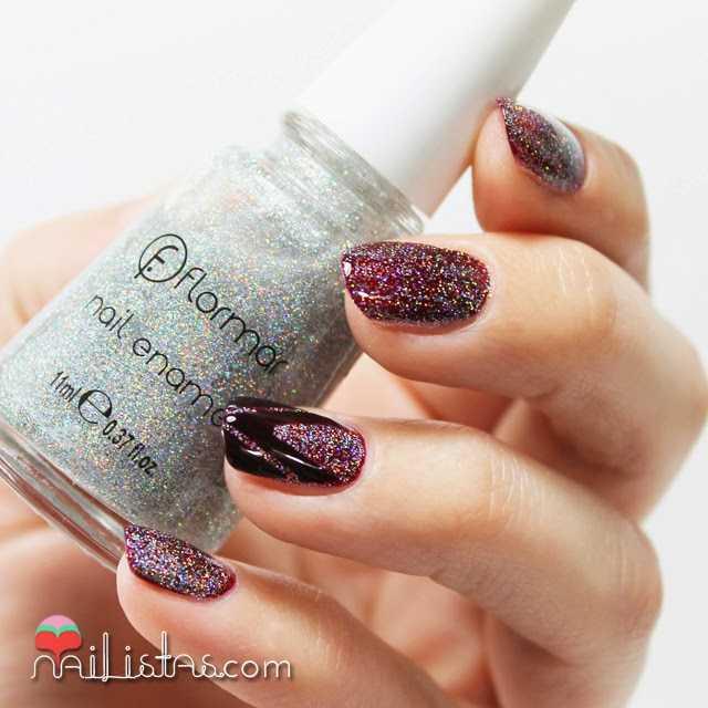 Nail art sencillo con esmalte holográfico de Flormar